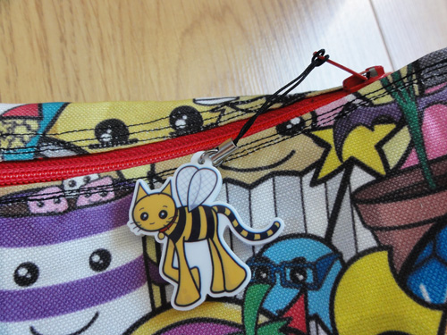 Bumble bee cat charm as zip pull